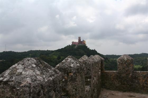 Moorish_castle_5_looking_at_pena_pa