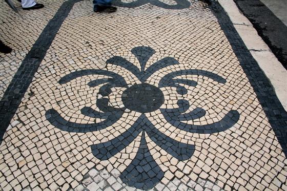 Lisbon_sidewalk_2