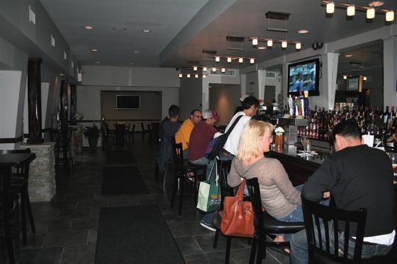 Leos_the_hotel_bar